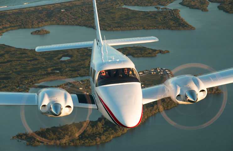 Piper PA-34-220T Seneca V